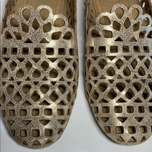 Tory Burch metallic gold loafers 5.5